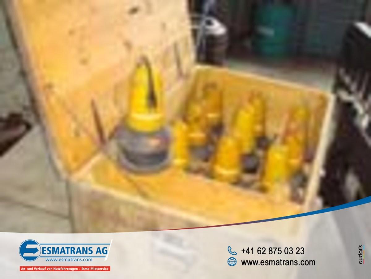 FRAN6306_882854 vehicle image