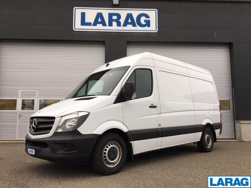 LARA4267_1073120 vehicle image