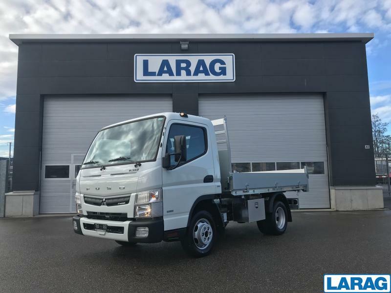 LARA4267_1197935 vehicle image