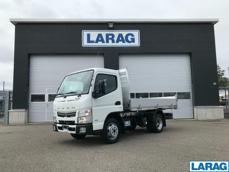 LARA4267_1197938 vehicle image