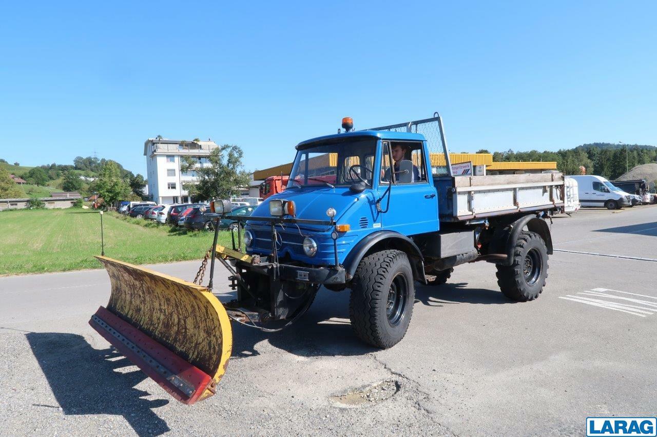 LARA4267_1401072 vehicle image