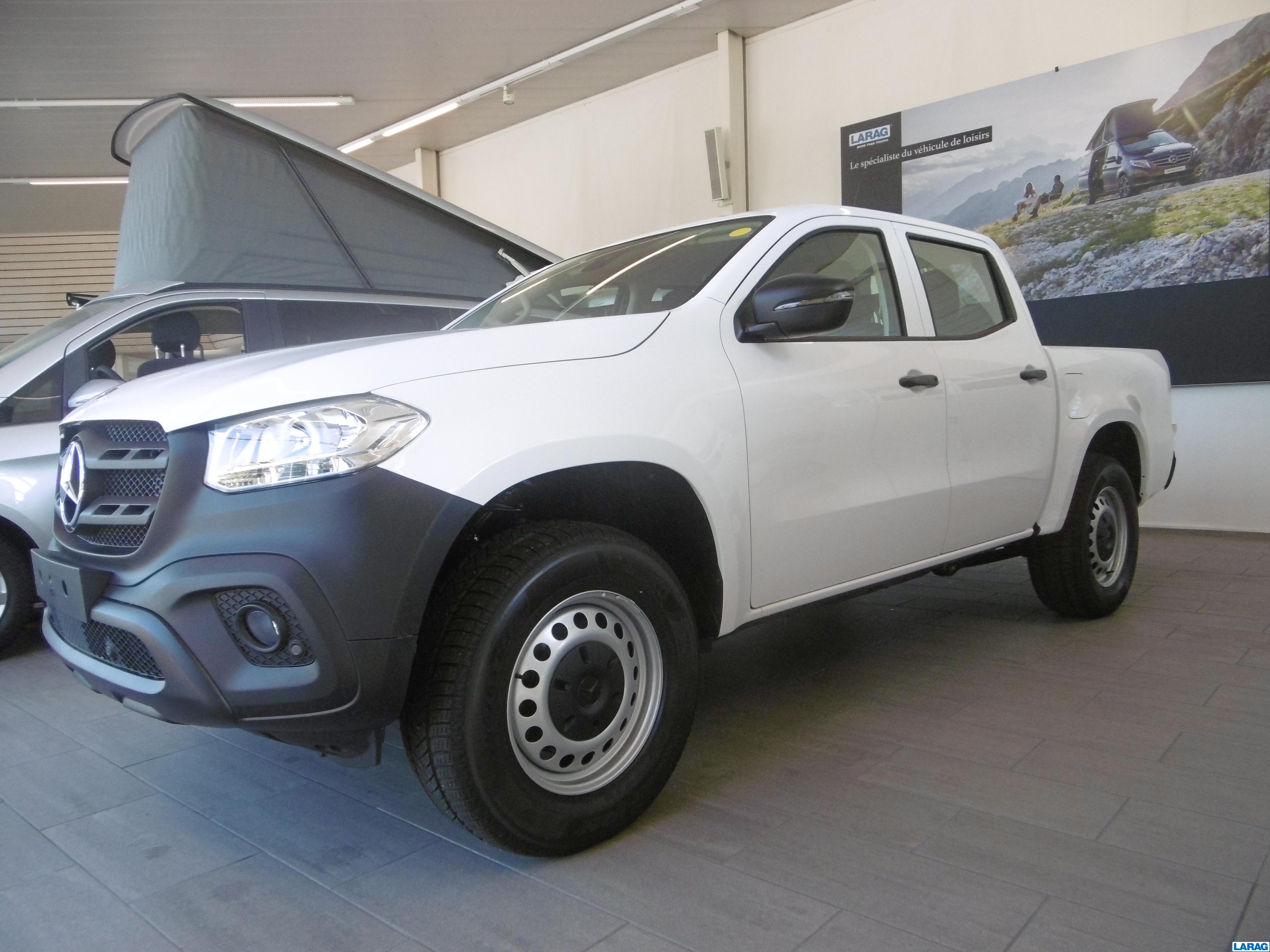 LARA4267_1060238 vehicle image