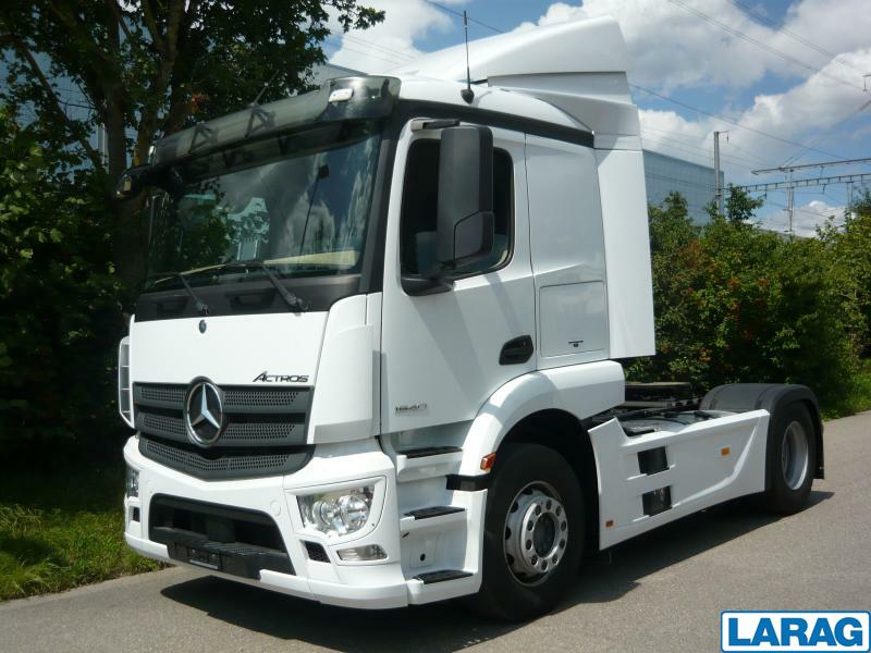 LARA4267_1073109 vehicle image