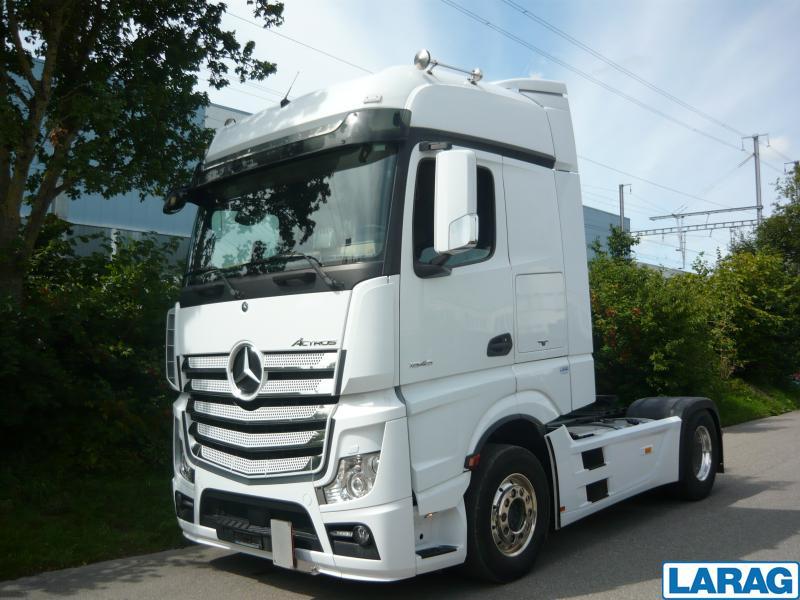 LARA4267_1016623 vehicle image