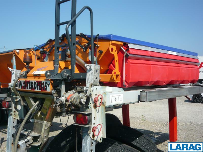 LARA4267_1341012 vehicle image