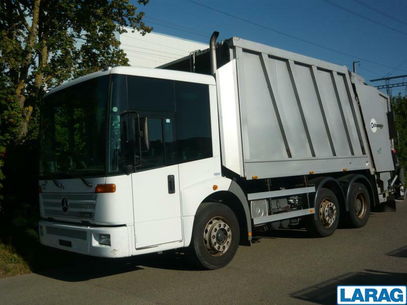 LARA4267_1341007 vehicle image