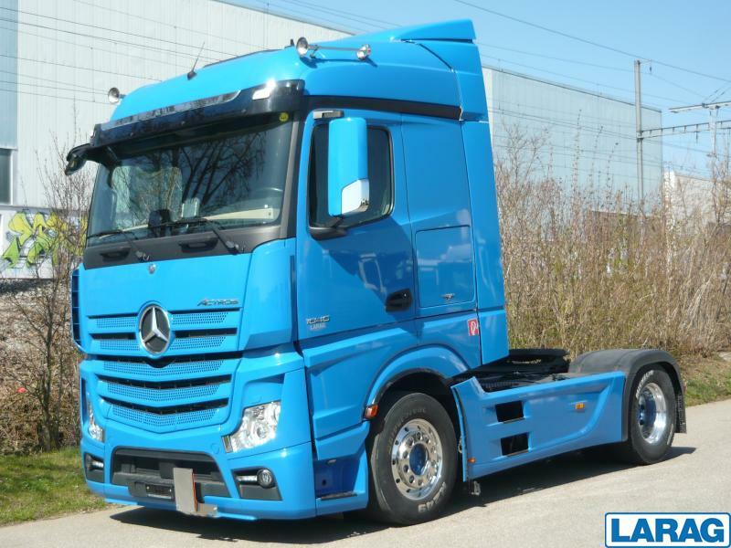 LARA4267_1341027 vehicle image