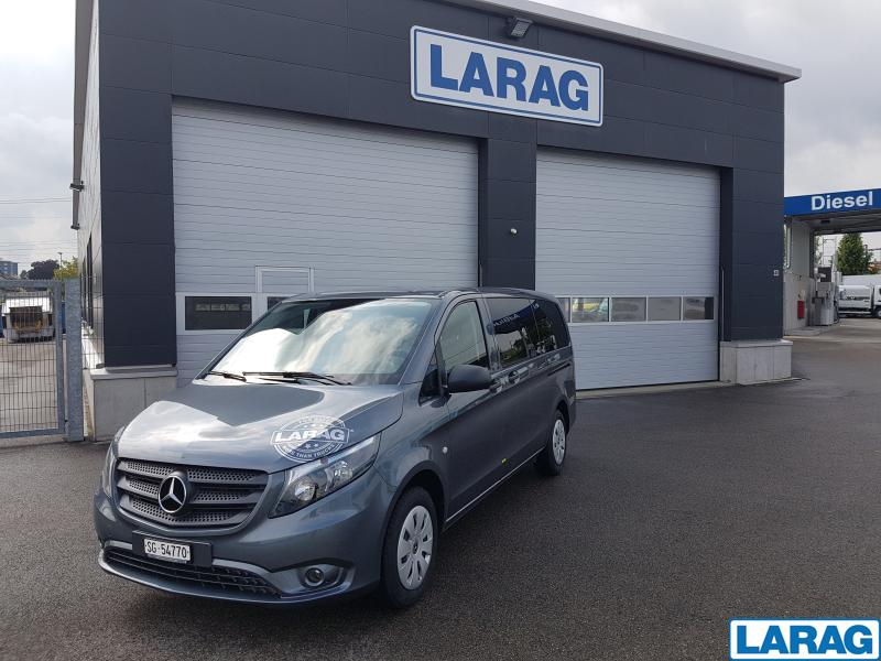 LARA4267_929087 vehicle image