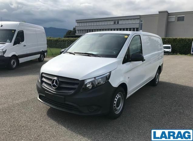 LARA4267_1341004 vehicle image