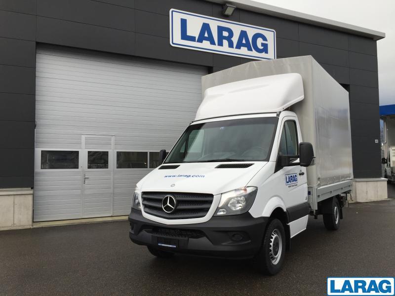 LARA4267_953743 vehicle image