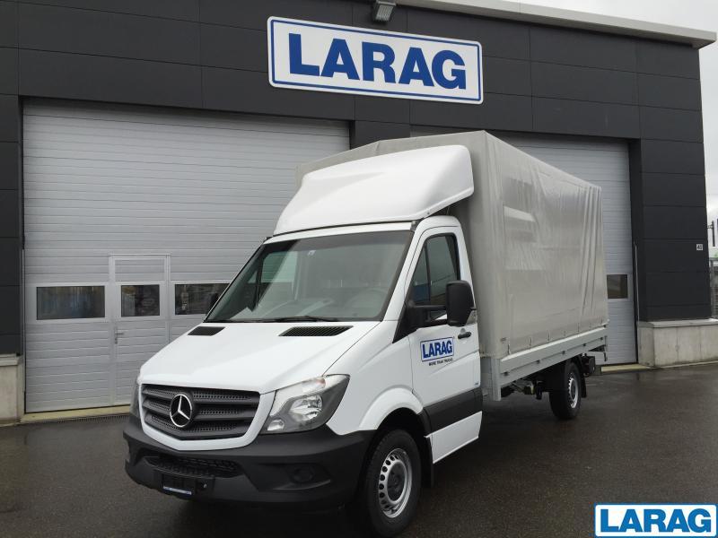 LARA4267_929074 vehicle image