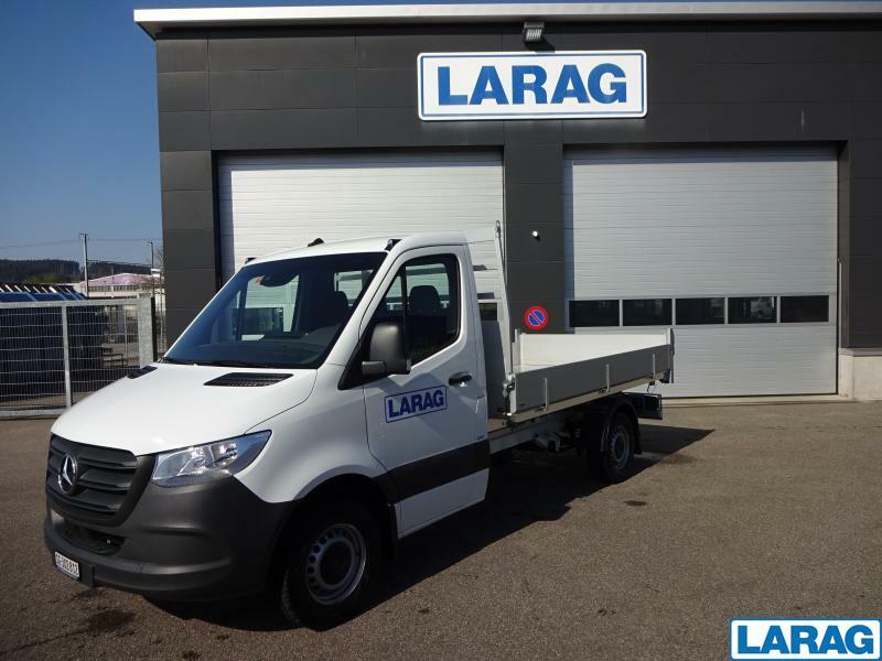 LARA4267_1197931 vehicle image