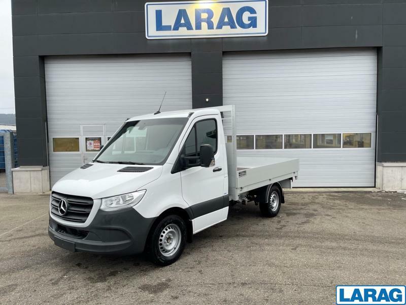 LARA4267_1341021 vehicle image