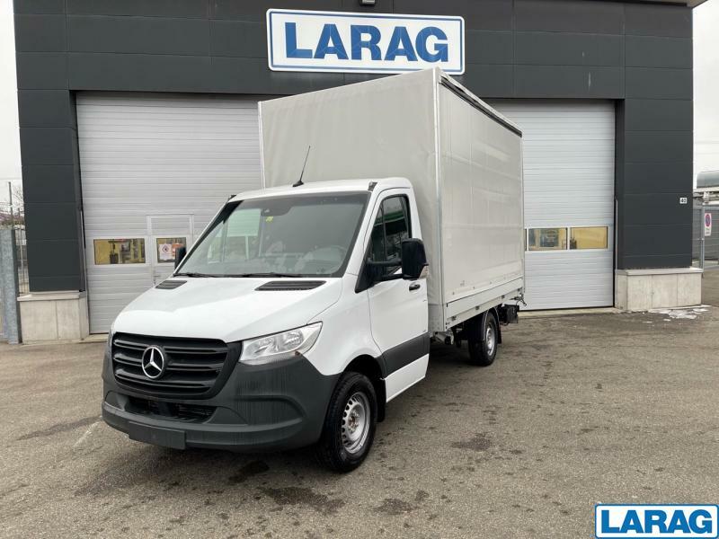LARA4267_1341023 vehicle image