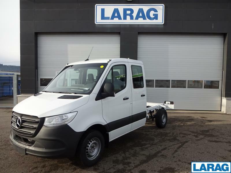 LARA4267_1341022 vehicle image
