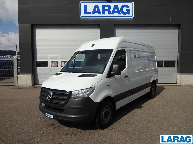 LARA4267_1341031 vehicle image