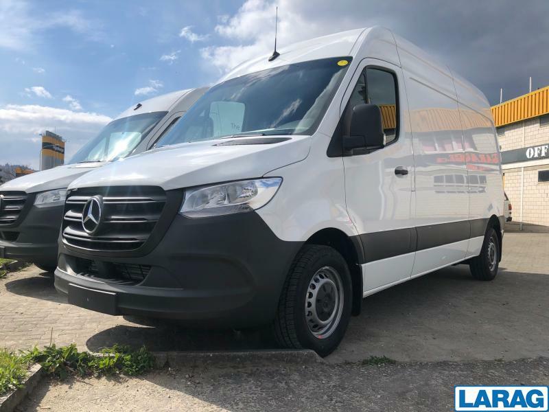 LARA4267_1345991 vehicle image