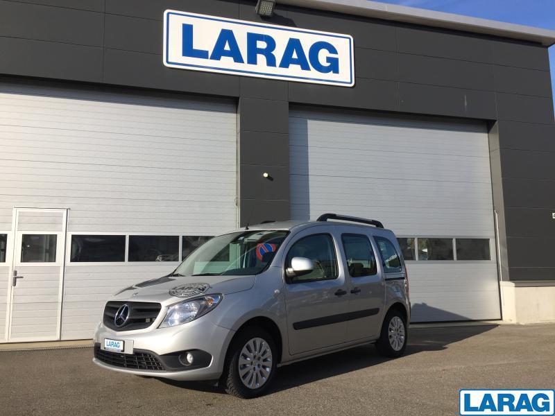 LARA4267_929077 vehicle image