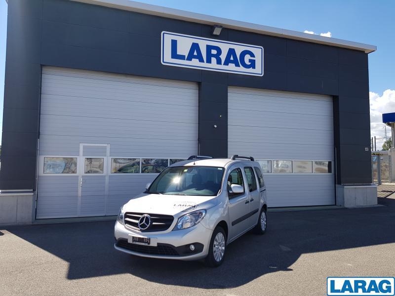 LARA4267_929081 vehicle image