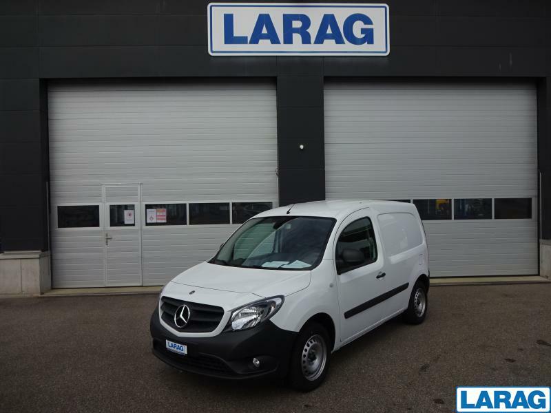 LARA4267_1197932 vehicle image