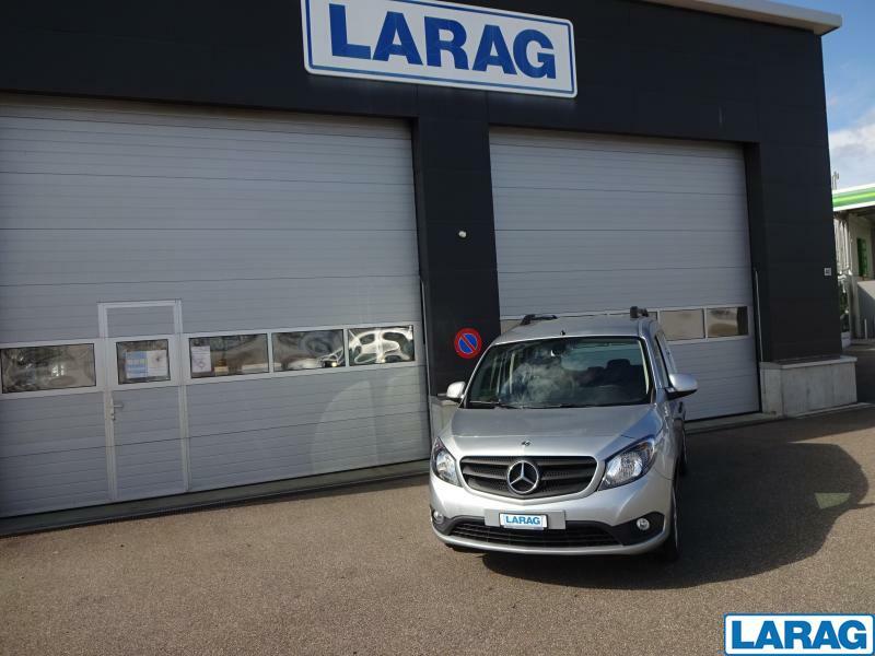 LARA4267_1341025 vehicle image