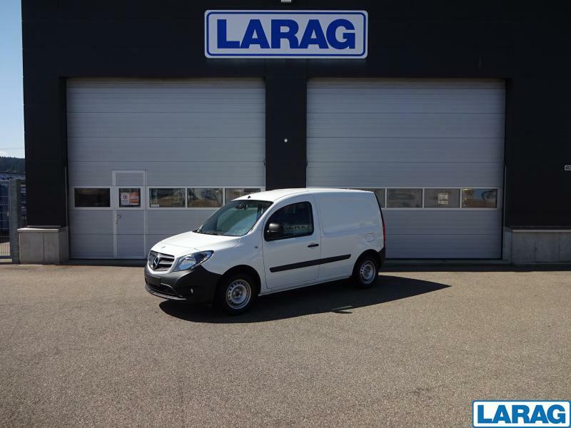 LARA4267_1401068 vehicle image