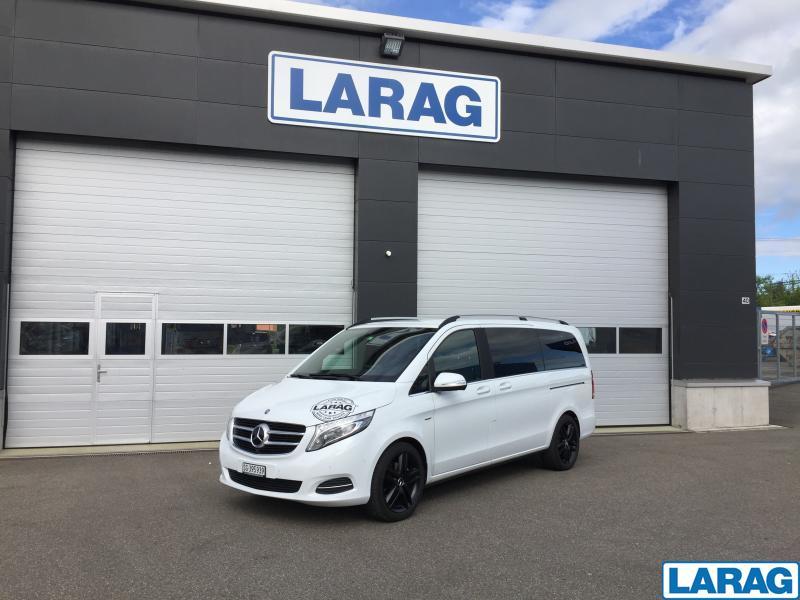 LARA4267_860902 vehicle image