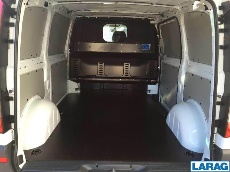 LARA4267_1016607 vehicle image