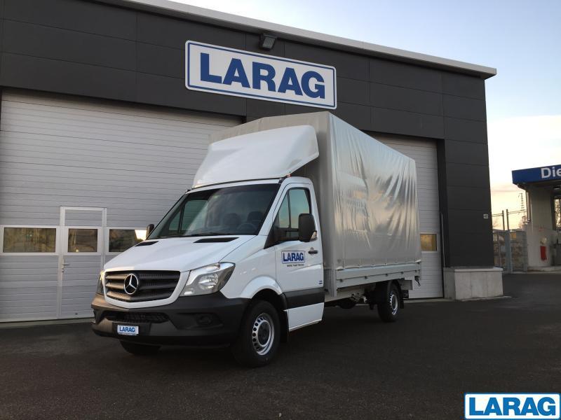 LARA4267_929078 vehicle image