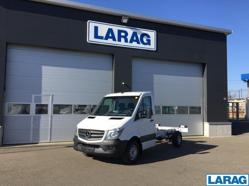 LARA4267_1060240 vehicle image