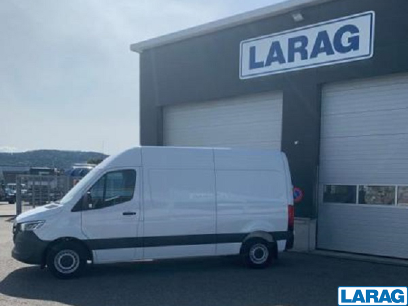 LARA4267_1073112 vehicle image