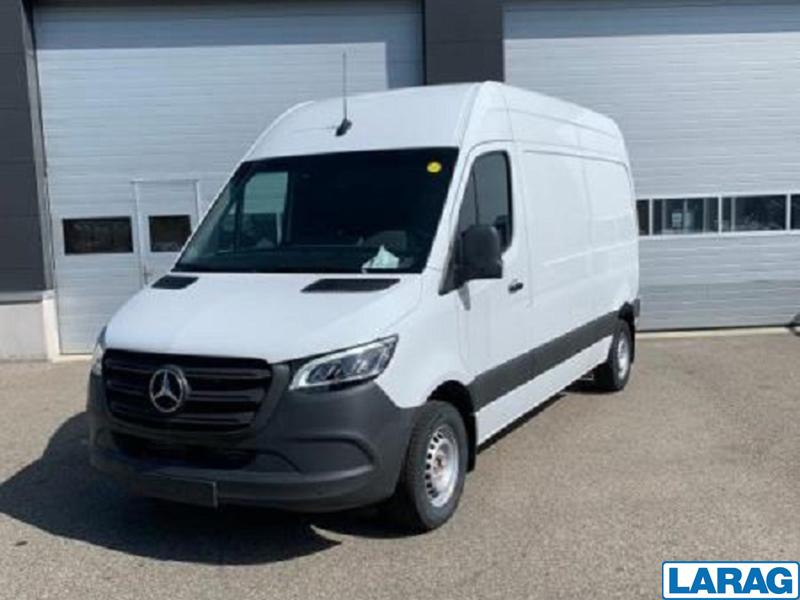 LARA4267_1060250 vehicle image