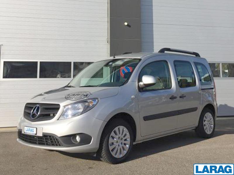 LARA4267_953761 vehicle image